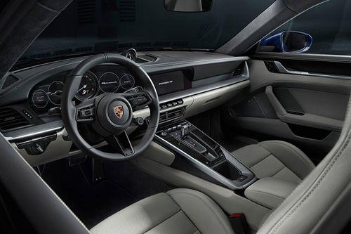 طراحی داخلی پورشه 911