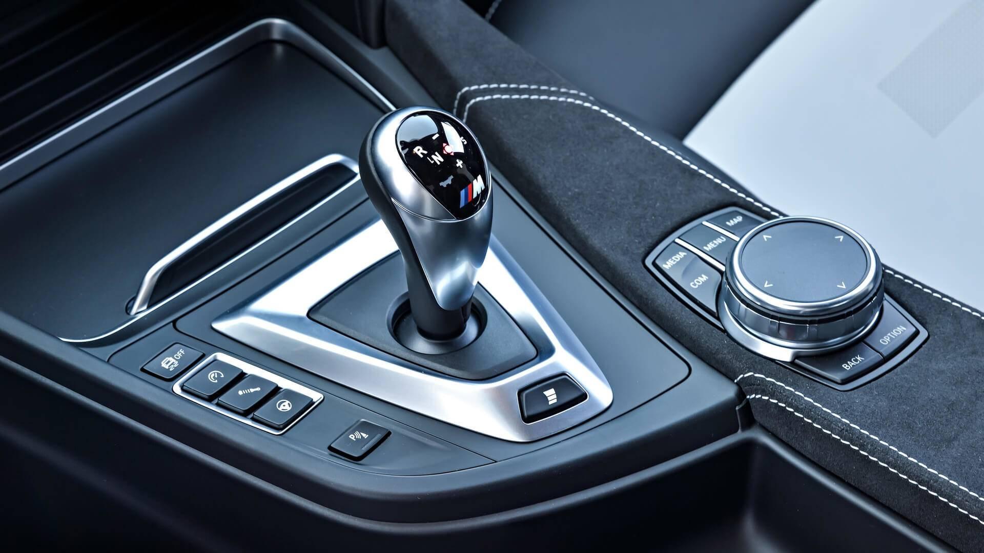 آموزش رانندگی با خودروهای دنده اتوماتیک